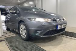 Honda Civic 1.3 73 kW 2010