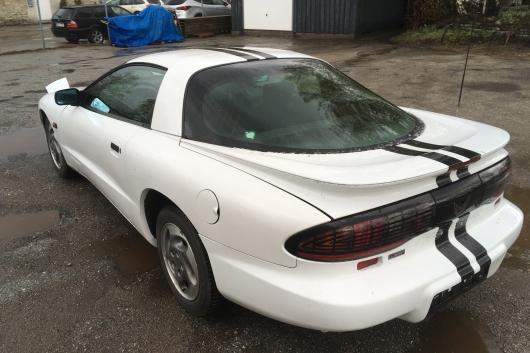 Pontiac Firebird 3.4 109 kW 1995