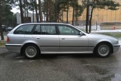 BMW 530 Touring 3.0 135 kW 2000