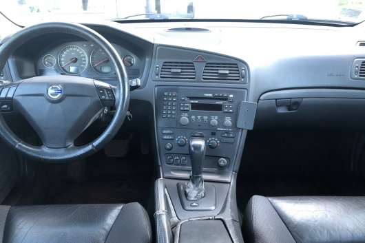 Volvo S60 2.4 120 kW 2004