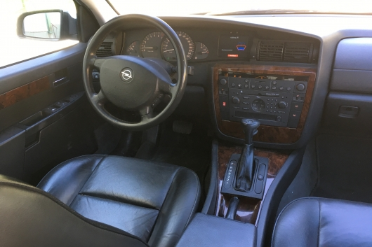 Opel Omega Executive 3.2 155 kW 2001