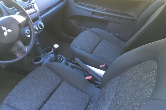 Mitsubishi Colt 35 Jubile 1.1 55 kW 2012