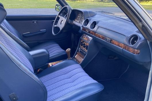 Mercedes W123 280 CE 2.7 130 kW 1978