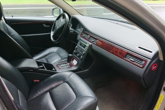 Volvo S80 2.4 120 kW 2008