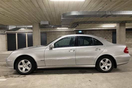 Mercedes E240 AVANTGARDE 2.6 130 kW 2002